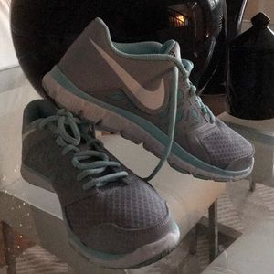 Other - NIKE YOUTH SNEAKERS